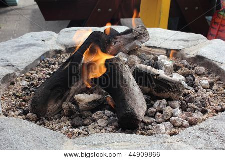 Log gas fire
