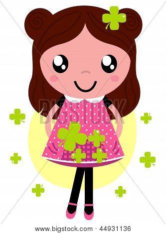 Schattig klein meisje van de lente met vier blad klaverblaadjes