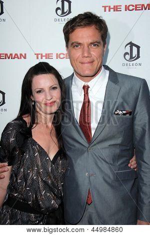 LOS ANGELES - APR 22:  Kate Arrington, Michael Shannon arrives at