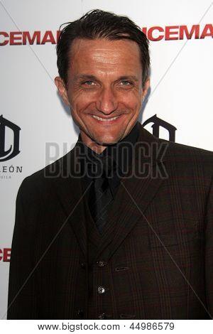 LOS ANGELES - APR 22:  Zoran Radanovich arrives at