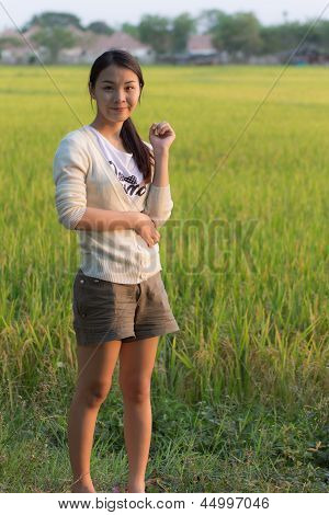 Pen Arms Little Happy Girl Meadow Rice Field Track