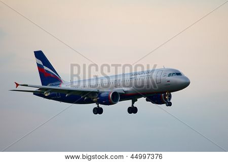 BUDAPEST, HUNGARY - MAY 5: Aeroflot A320 approaching Budapest Liszt Ferenc Airport, May 5th 2012. Aeroflot is Russia's flag carrier and largest airline.
