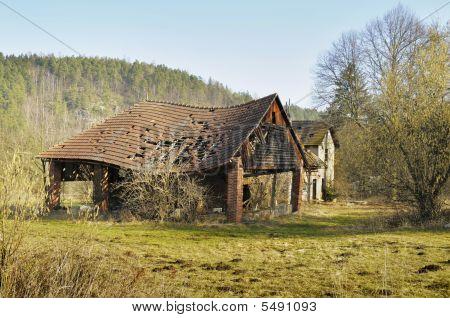 Desvencijada estructura Rural