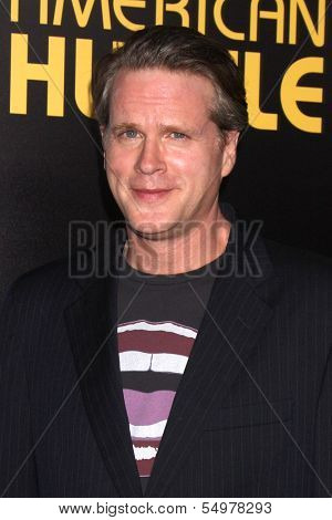 LOS ANGELES - DEC 3:  Cary Elwes at the