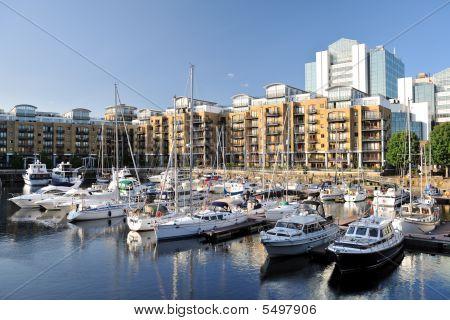 Marina And Luxury Flats, St Katharine Dock, London, England, Uk, Europe