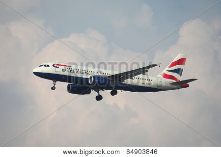 BUDAPEST, HUNGARY - MAY 5: British Airways A320 approaching Budapest Liszt Ferenc Airport, May 5th 2014. British Airways if the flag carrier airline of the United Kingdom.