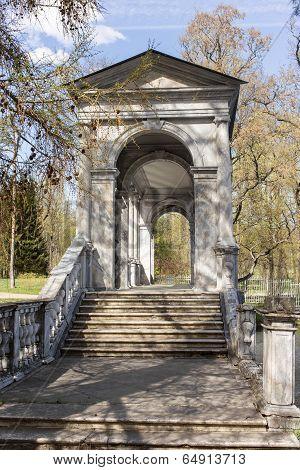 Old Marble Bridge