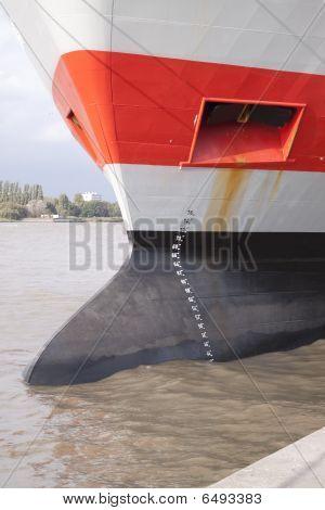 Schiff Bow laden Guage und Anker