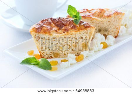 Low-fat Pudding With Cottage Cheese, Wholegrain Flour And Raisins