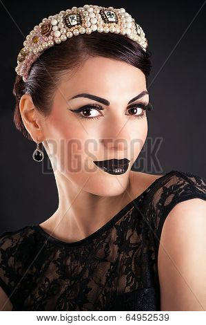 Fashion Beauty Model with Black Makeup