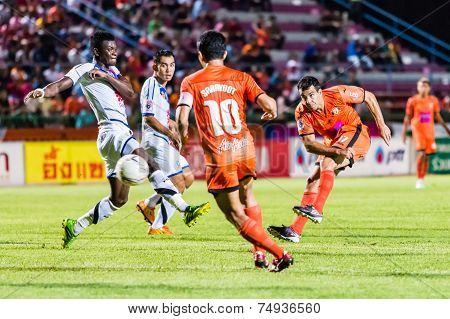 Sisaket Thailand-october 22: Gorka Unda Of Sisaket Fc. Shooting Ball During Thai Premier League Betw
