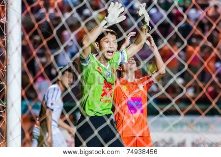 Sisaket Thailand-october 22: Kosin Hembut Of Air Force Central Fc. (green) In Action During Thai Pre