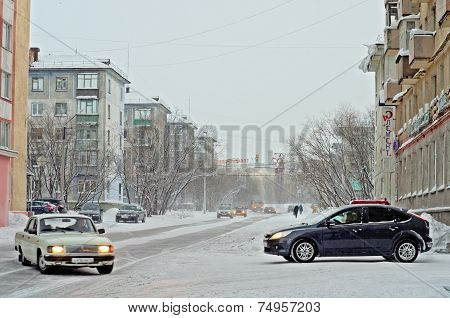 VORKUTA - JANUARY 21: Engels street on January 21, 2013 in Vorkuta