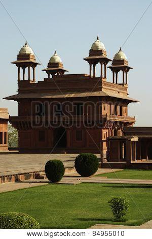 Facade of a palace, Diwan-I-Khas, Fatehpur Sikri, Agra, Uttar Pradesh, India