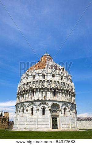 Facade of a baptistery, Baptistery of St. John, Piazza Dei Miracoli, Pisa, Tuscany, Italy
