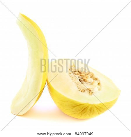 Cut yellow melon composition