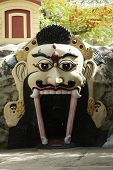 foto of lakshmi  - Entrance of a temple - JPG