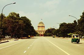 foto of rashtrapati  - Road leading towards a government building - JPG