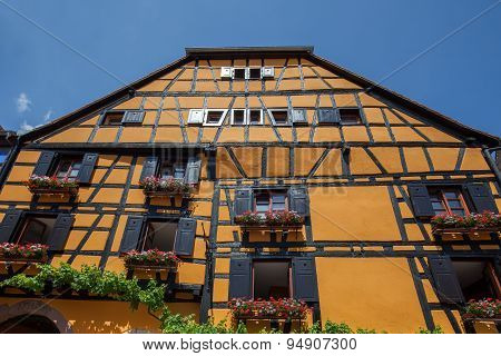 Attractive Village Riquewihr