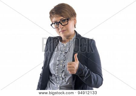 Photo woman in glasses shows thumb
