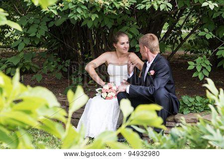 Bride and groom debate
