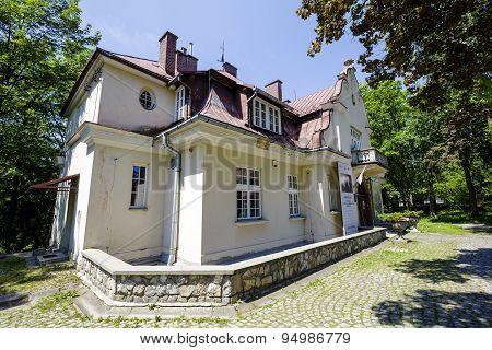 Manor-style Villa In Zakopane