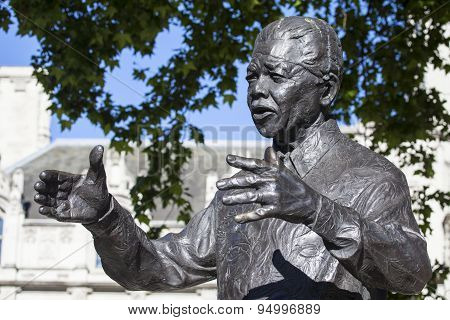 Nelson Mandela Statue In London