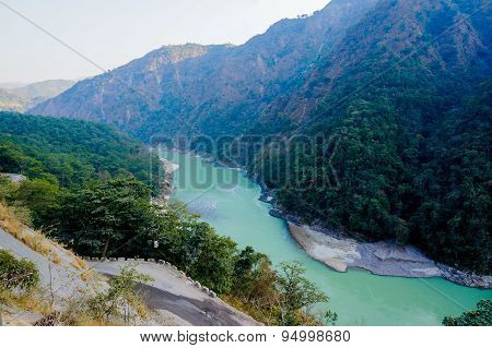 Himalya Mountains & Ganga River In Rishikesh