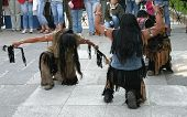 Постер, плакат: Индейцы делает ритуальный танец