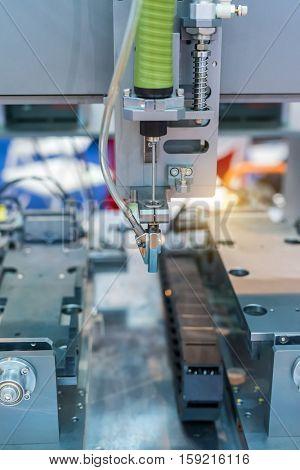 Multifunctional metal working with robot