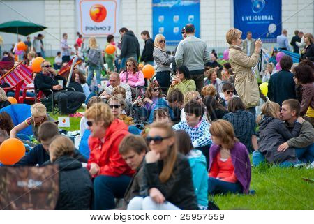 MOSCOW - JUNE 5: People at VII International Festival