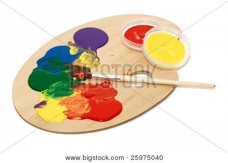 Paleta de artista con varios colores