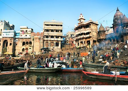 VARANASI, INDIA -14 FEBRUARY: Manikarnika Ghat, main burning ghat, most auspicious place for Hindu to be cremated on banks of Ganges river, Varanasi, Uttar Pradesh,February 14, 2008. Varanasi, India.