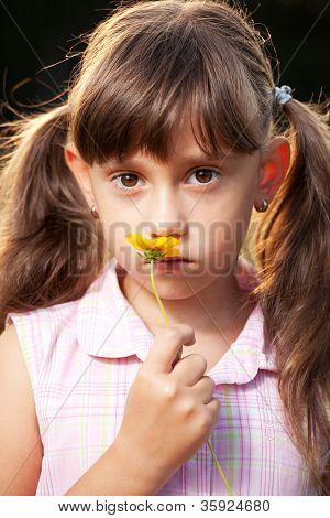 Mädchen mit Schwänzen