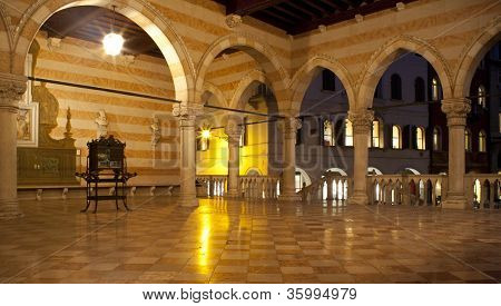 Loggia Del Lionello, Udine