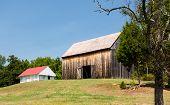 foto of tobacco barn  - National Historic site Barns at home of Thomas Stone - JPG