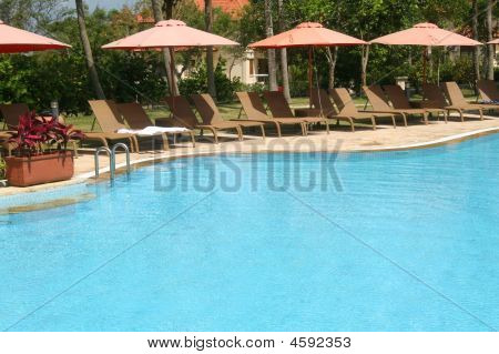 Resort Pool2