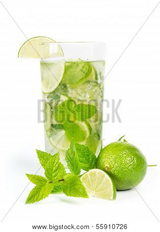 Mohito mojito drink with lime and mint