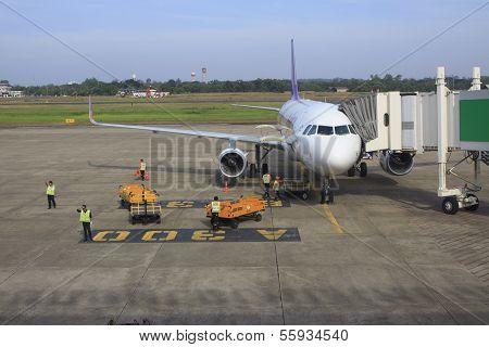 UBONRATCHATHANI THAILAND: Nov 21 - thai airway plane parking on gate way and preparing to flying at