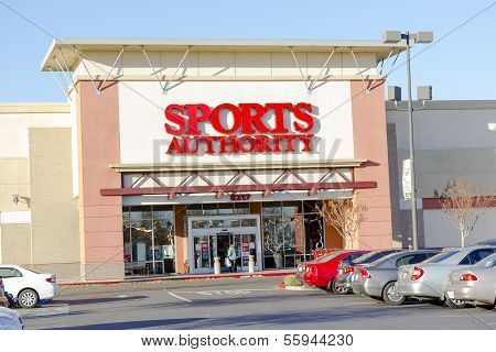 Sacramento, Usa - December 21:  Sports Authority Entrance On December 21, 2013 In Sacramento, Califo