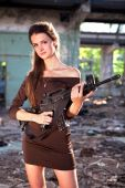 pic of m4  - Portrait of a woman with the M4 machine gun - JPG