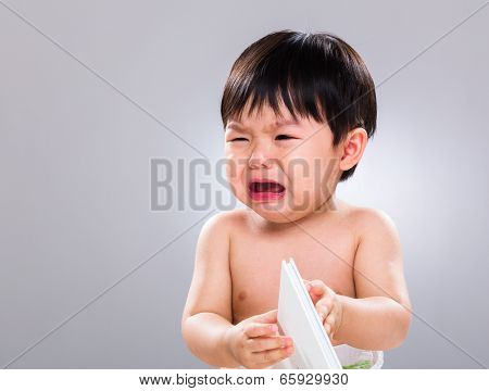 Little boy hate reading book