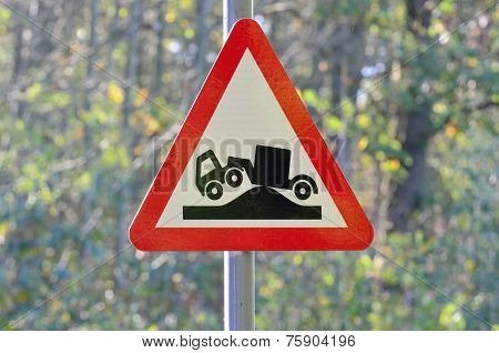 Lorry hump warning sign