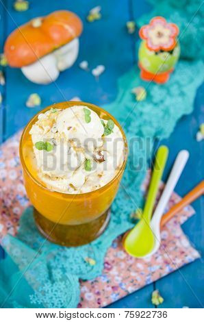Pumpkin ice cream with mint