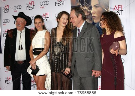 LOS ANGELES - NOV 11:  Barry Corbin, Hilary Swank, Grace Gummer, Tommy Lee Jones, Dawn Laurel-Jones at the