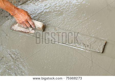 Using Float To Level Surface Of Concrete