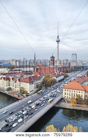 Bridge Over River Spree, Tv-tower And Rotes Rathaus In Berlin