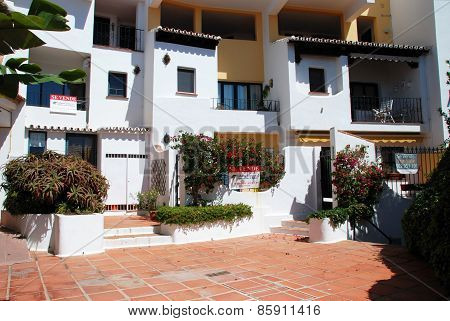 Apartments for sale, Puerto Cabopino.