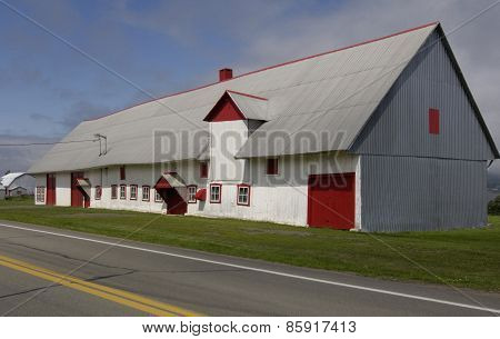 Quebec, A Barn In Orleans Island