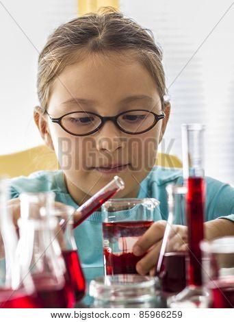 Kid mixing liquids